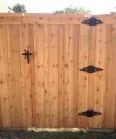 6' Board on Board Standard Gate with Top Cap & Single Trim, #1 Cedar Pickets